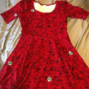 LuLaRoe Nicole A-line dress size 2X red roses
